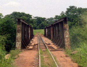 "Image ""aketi_dodgy_roadrail_bridge.jpg"""